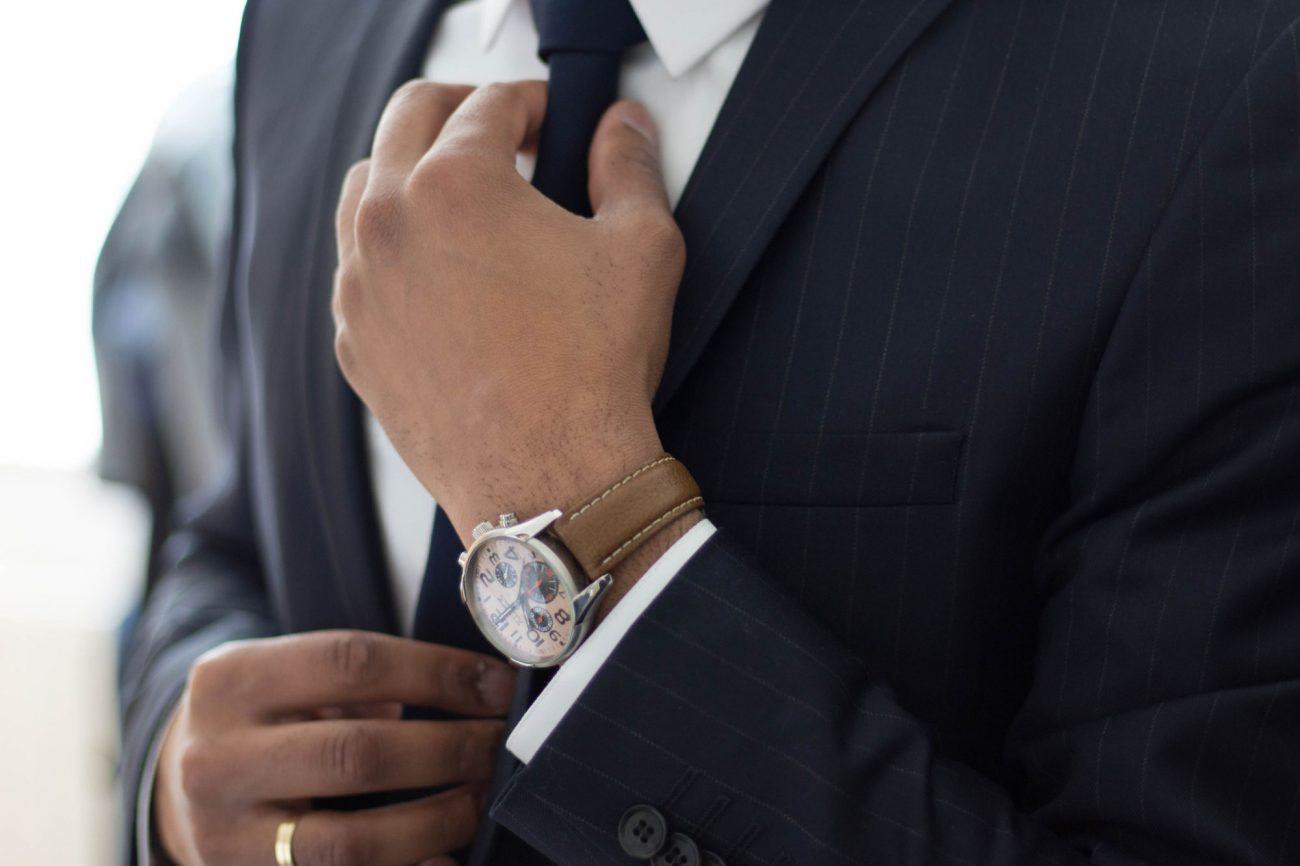 Executive Straightening Tie